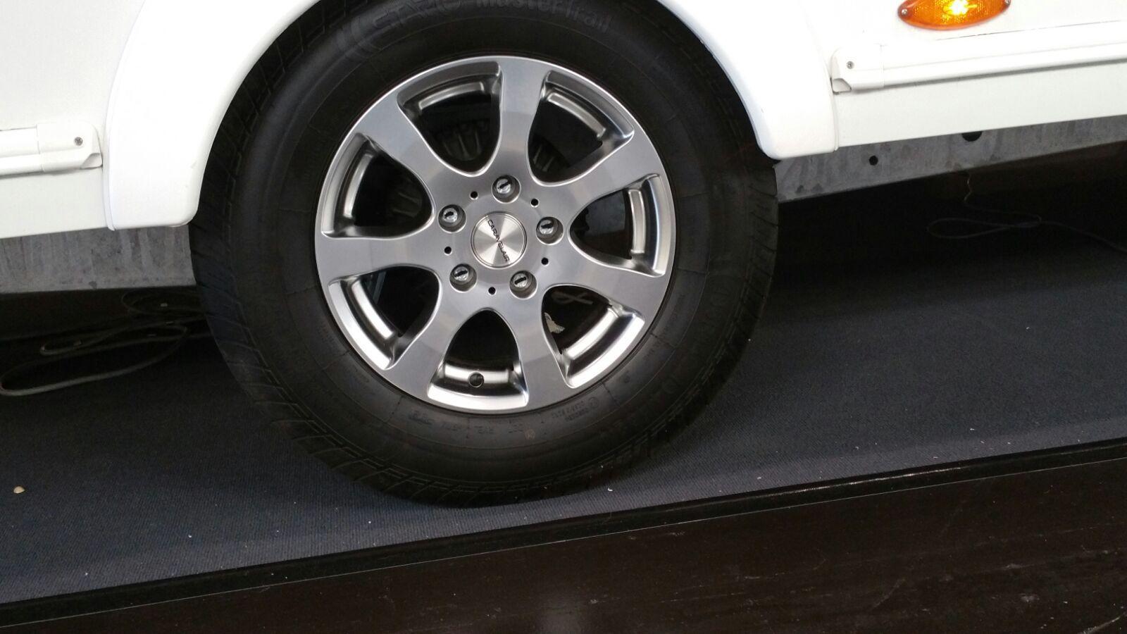 6jx14 alufelgen wohnwagen caravan b rstner aluminiumfelgen. Black Bedroom Furniture Sets. Home Design Ideas